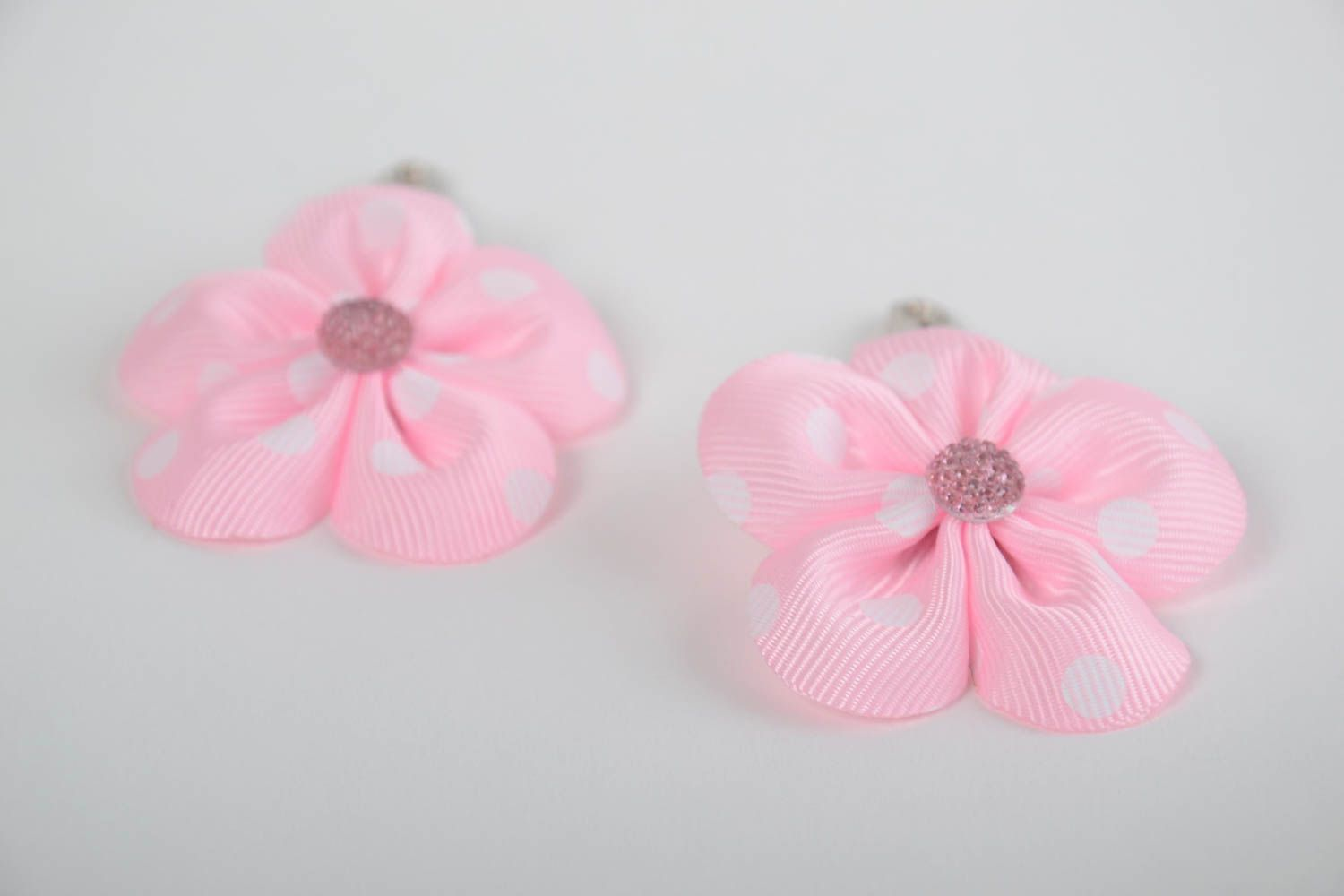Set of 2 handmade decorative hair clips with pink rep ribbon flowers photo 5