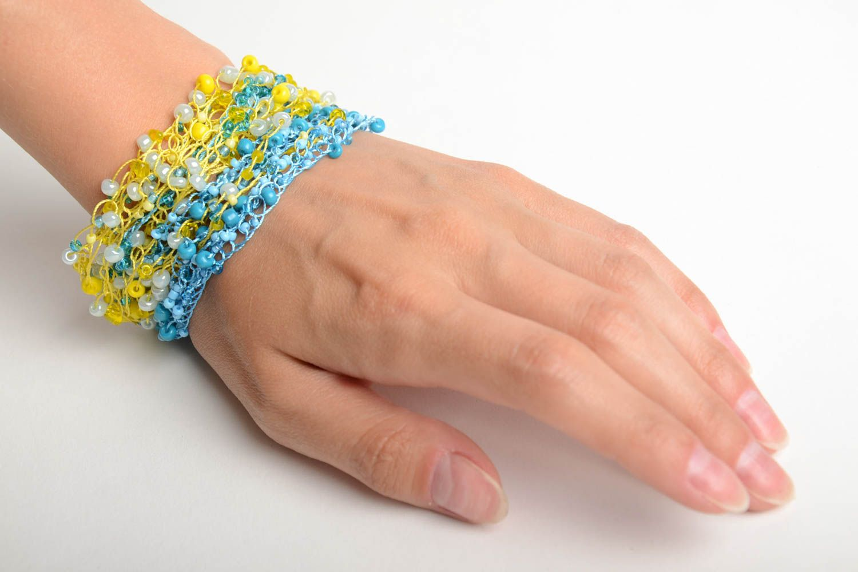 Gehäkeltes blau gelbes Armband aus Glasperlen von Handarbeit für Mädchen schön foto 2
