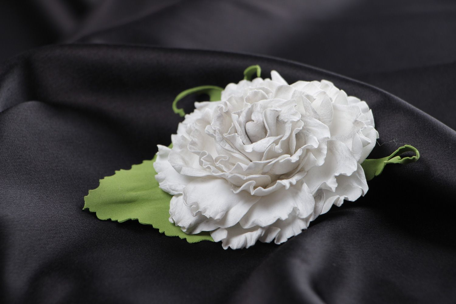 Madeheart beautiful handmade hair clip brooch with volume white flower brooches beautiful handmade hair clip brooch with volume white foam flower for women madeheart mightylinksfo