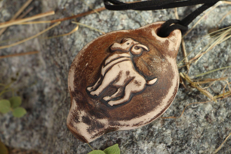 Кулон-свистулька из глины Овен фото 5