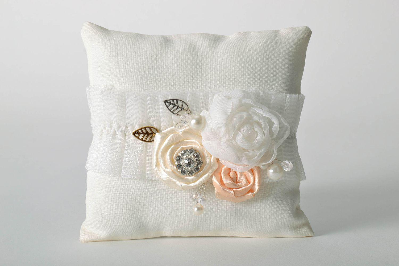 madeheart coussin porte alliance original fait main. Black Bedroom Furniture Sets. Home Design Ideas