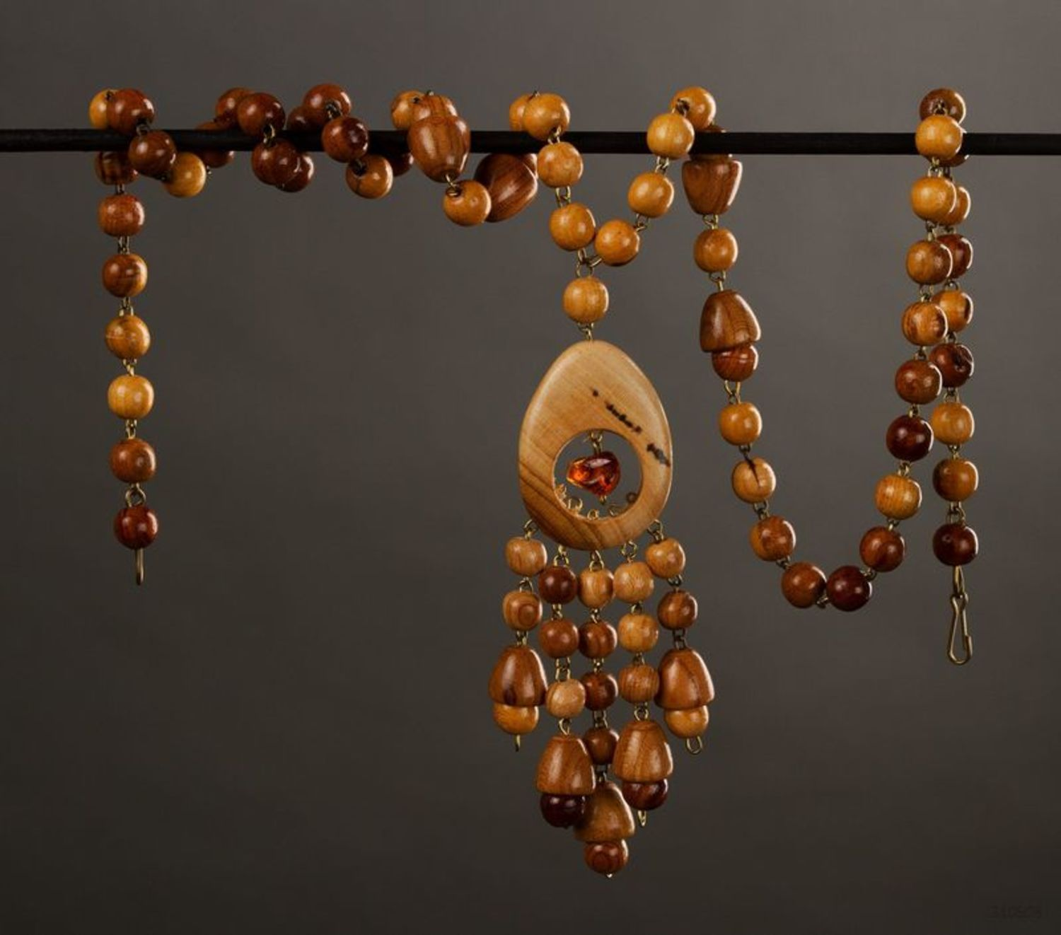 Wooden bead necklace photo 1