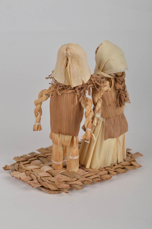 Madeheart figuras de hojas de ma z hechas a mano 2 for Decoracion de casas hechas a mano