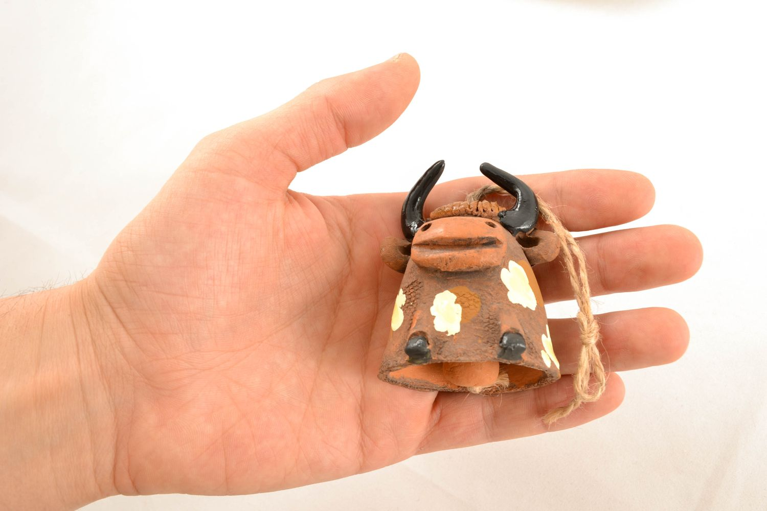 Clay bell in the shape of bull photo 5