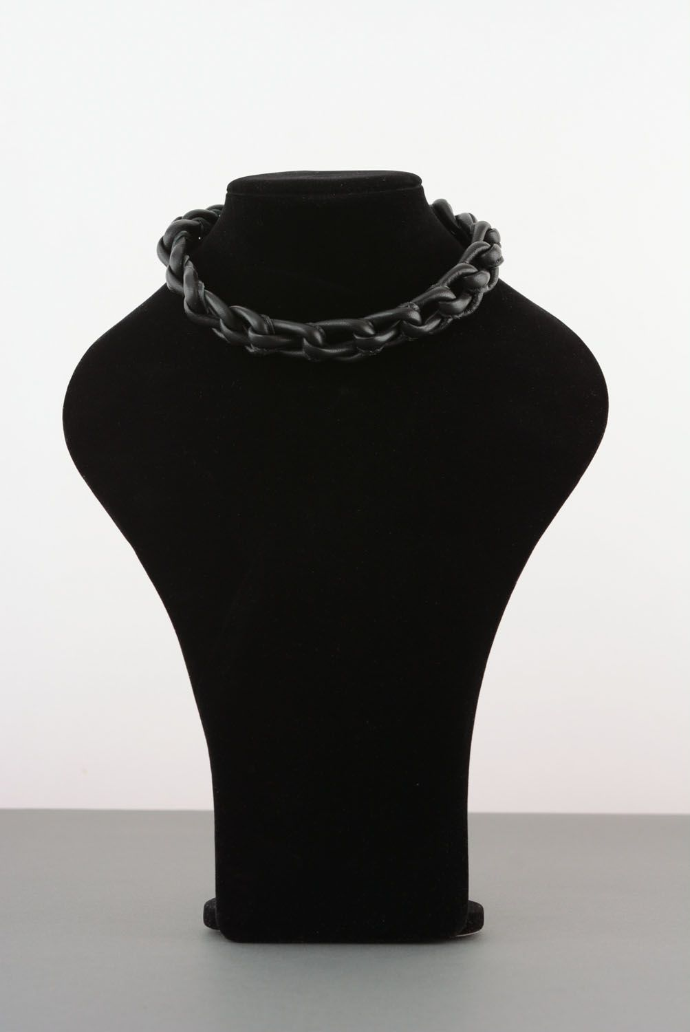 Leather jewelry set photo 1