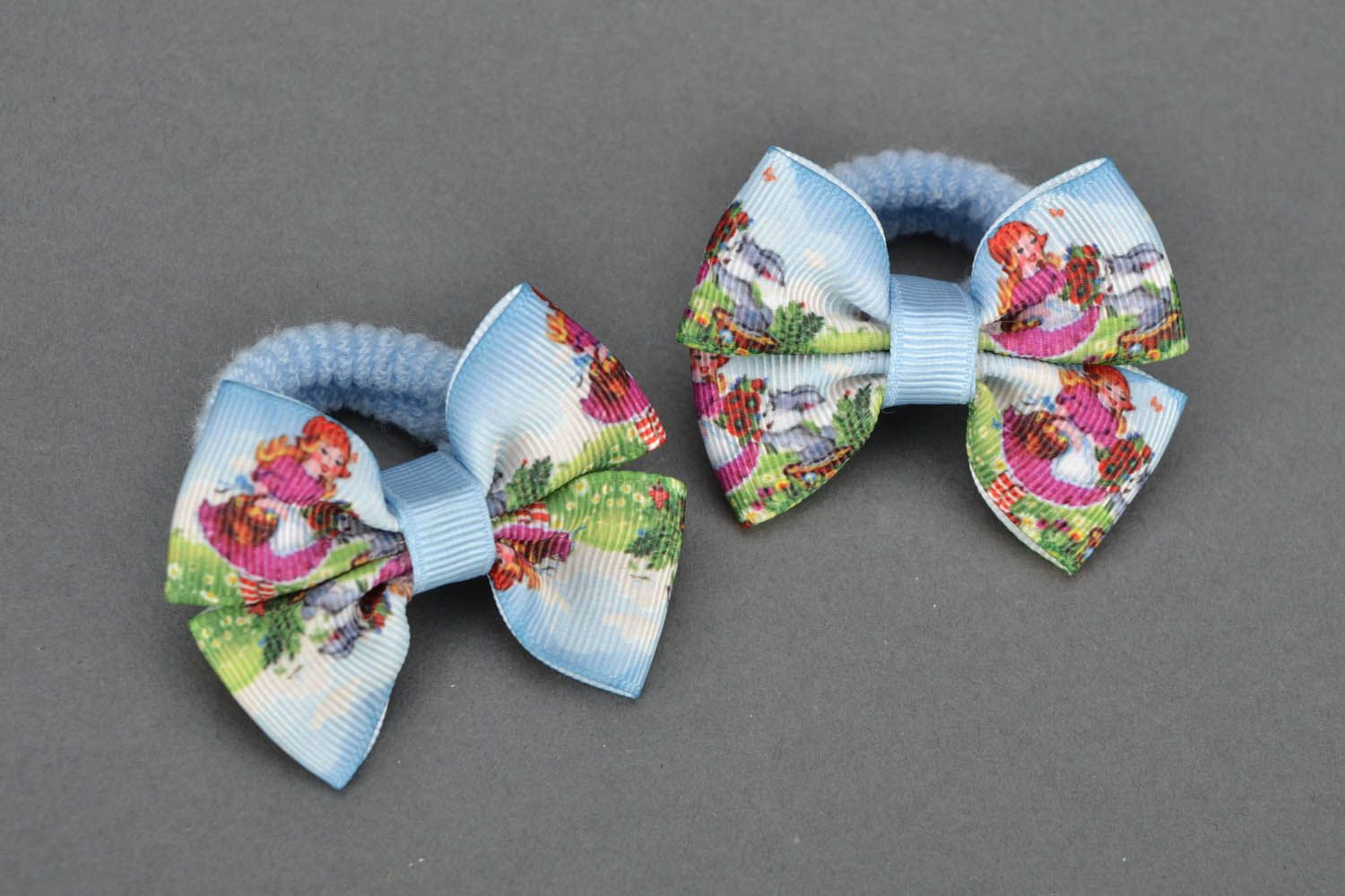 Scrunchies with bows photo 3