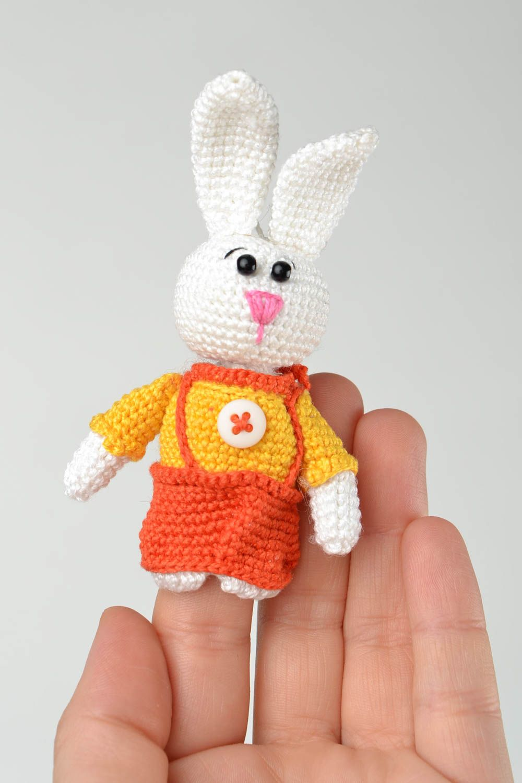 madeheart marionnette doigt tricot jouet fait main lapin fils coton crochet cadeau enfant. Black Bedroom Furniture Sets. Home Design Ideas