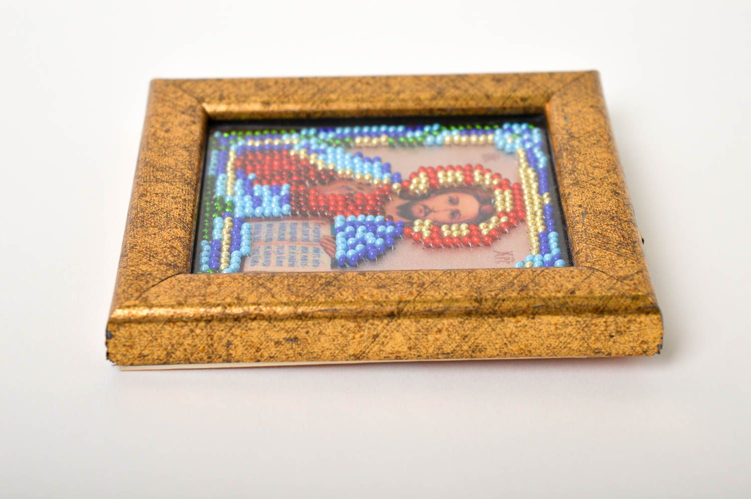 Handmade beautiful icon beaded icon in frame small orthodox icon present photo 3