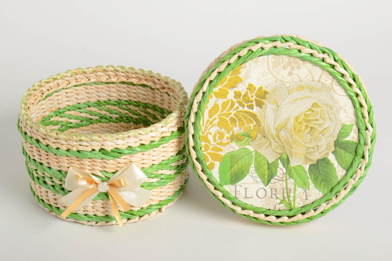 boxes Beautiful handmade paper basket jewelry box design newspaper craft gift ideas - MADEheart.com