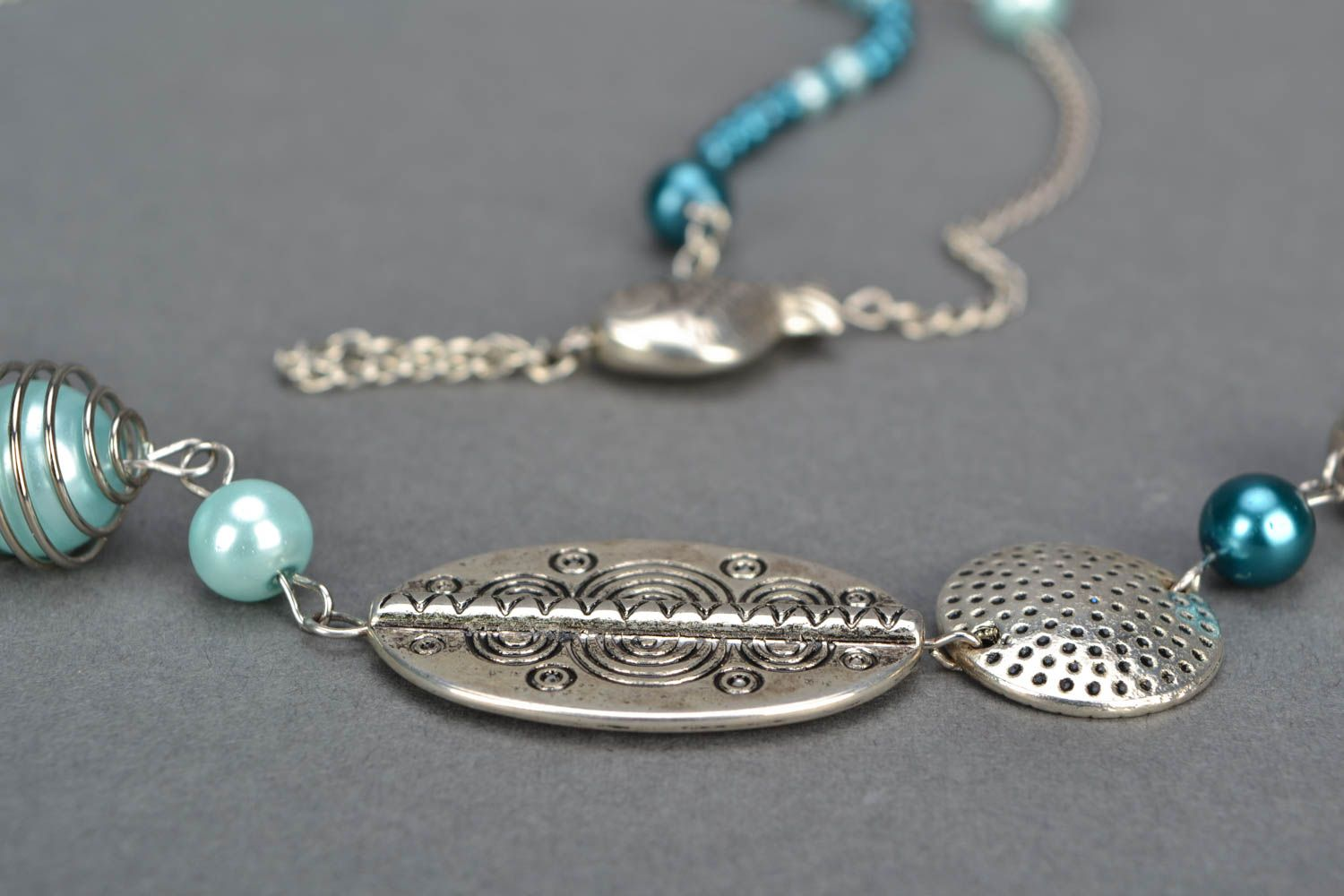 Necklace made of beads and metal photo 4