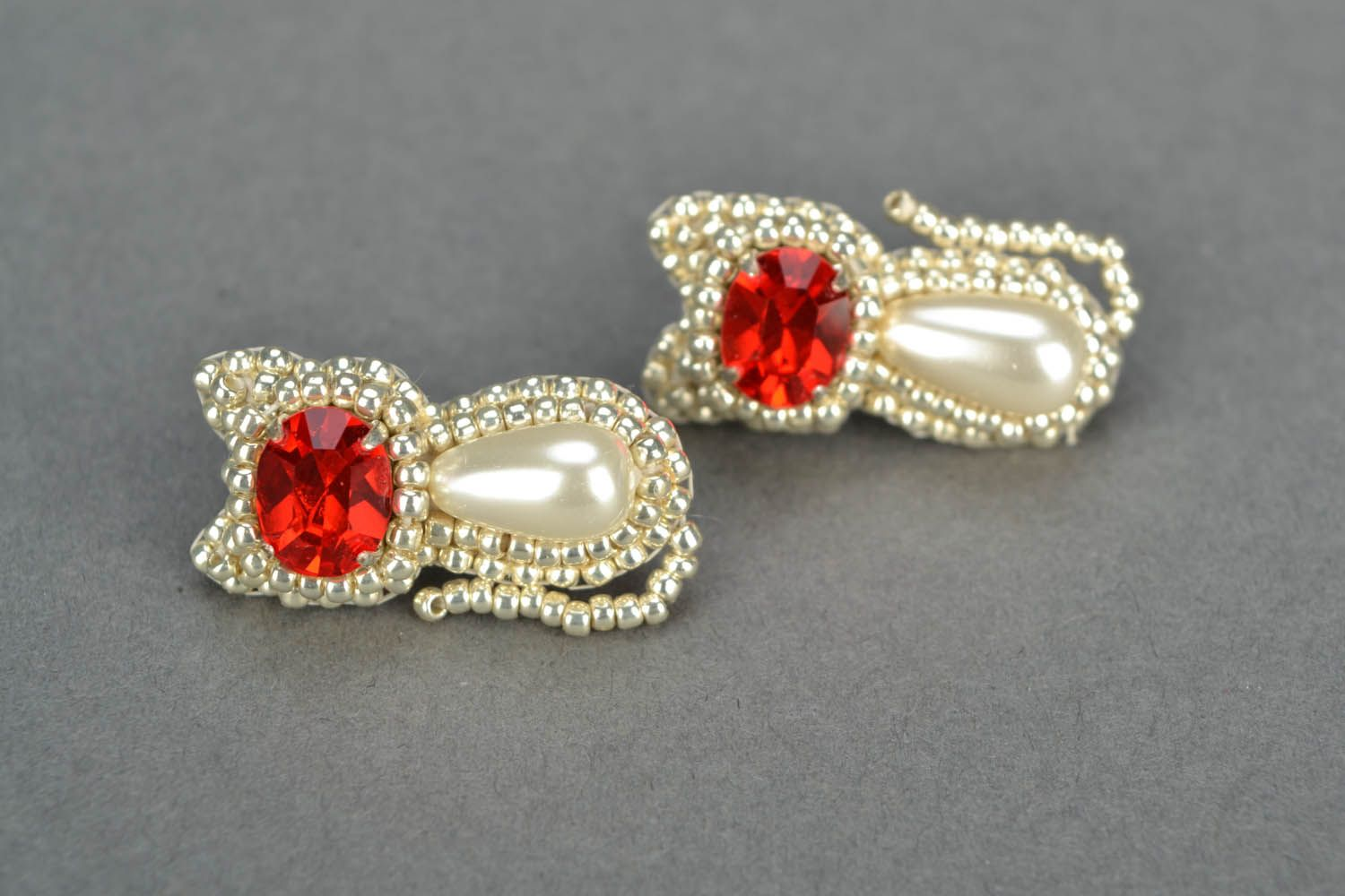 Kitten earrings with red crystals  photo 4