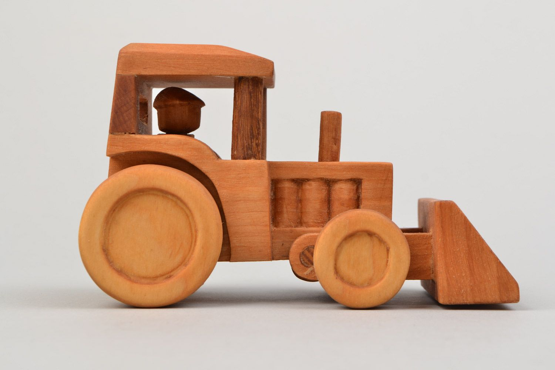 Картинки трактор из дерева