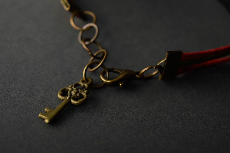 Наручный браслет с подвесками из полимерной глины фото 2