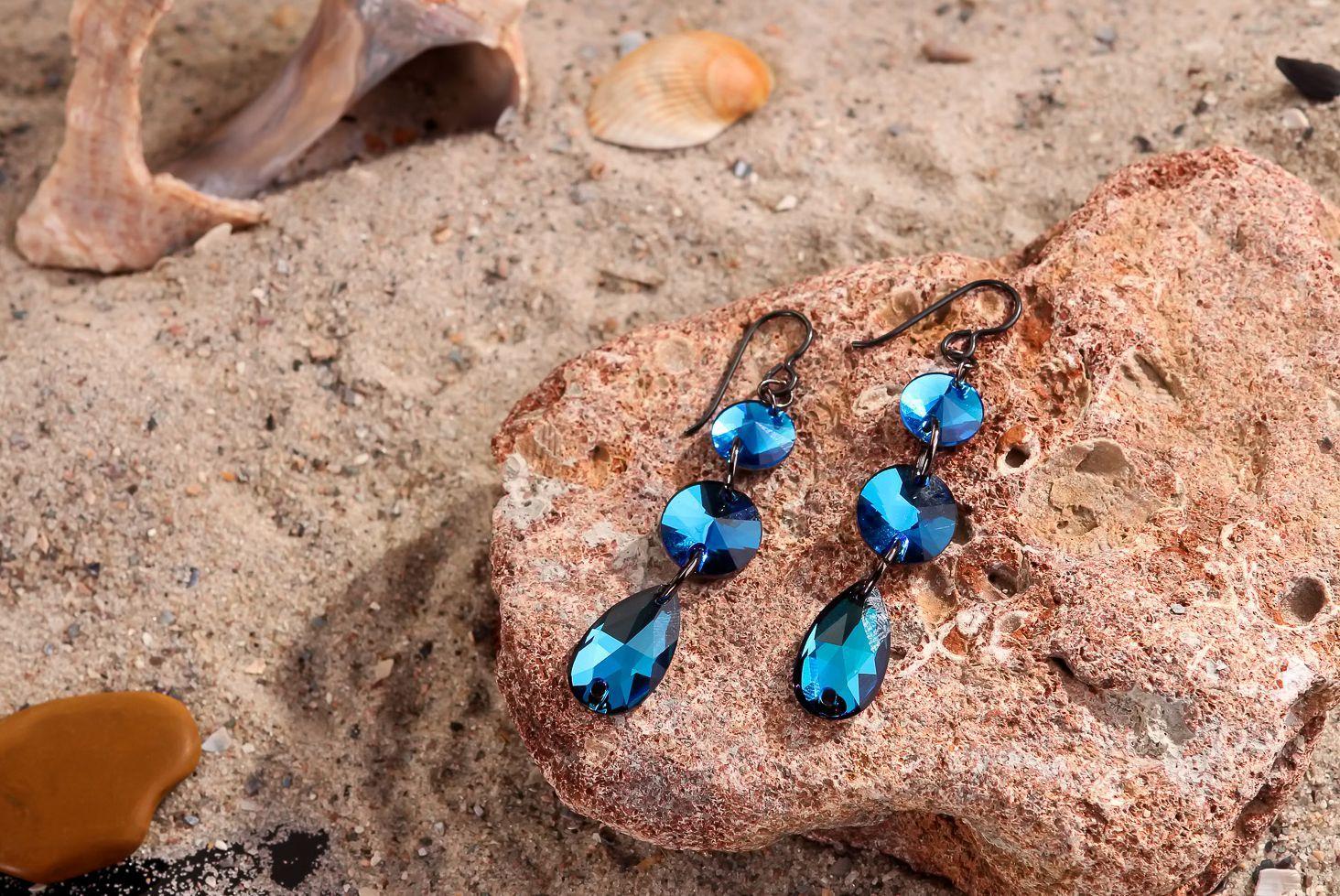 boucles d'oreilles pendantes Boucles d'oreille avec cristaux - MADEheart.com