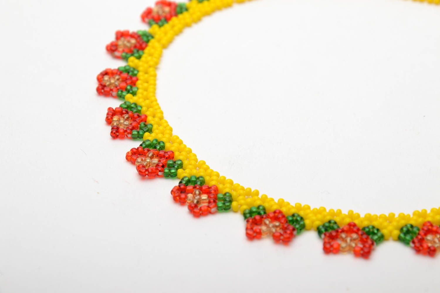 Bright beaded necklace photo 4