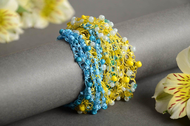Gehäkeltes blau gelbes Armband aus Glasperlen von Handarbeit für Mädchen schön foto 1