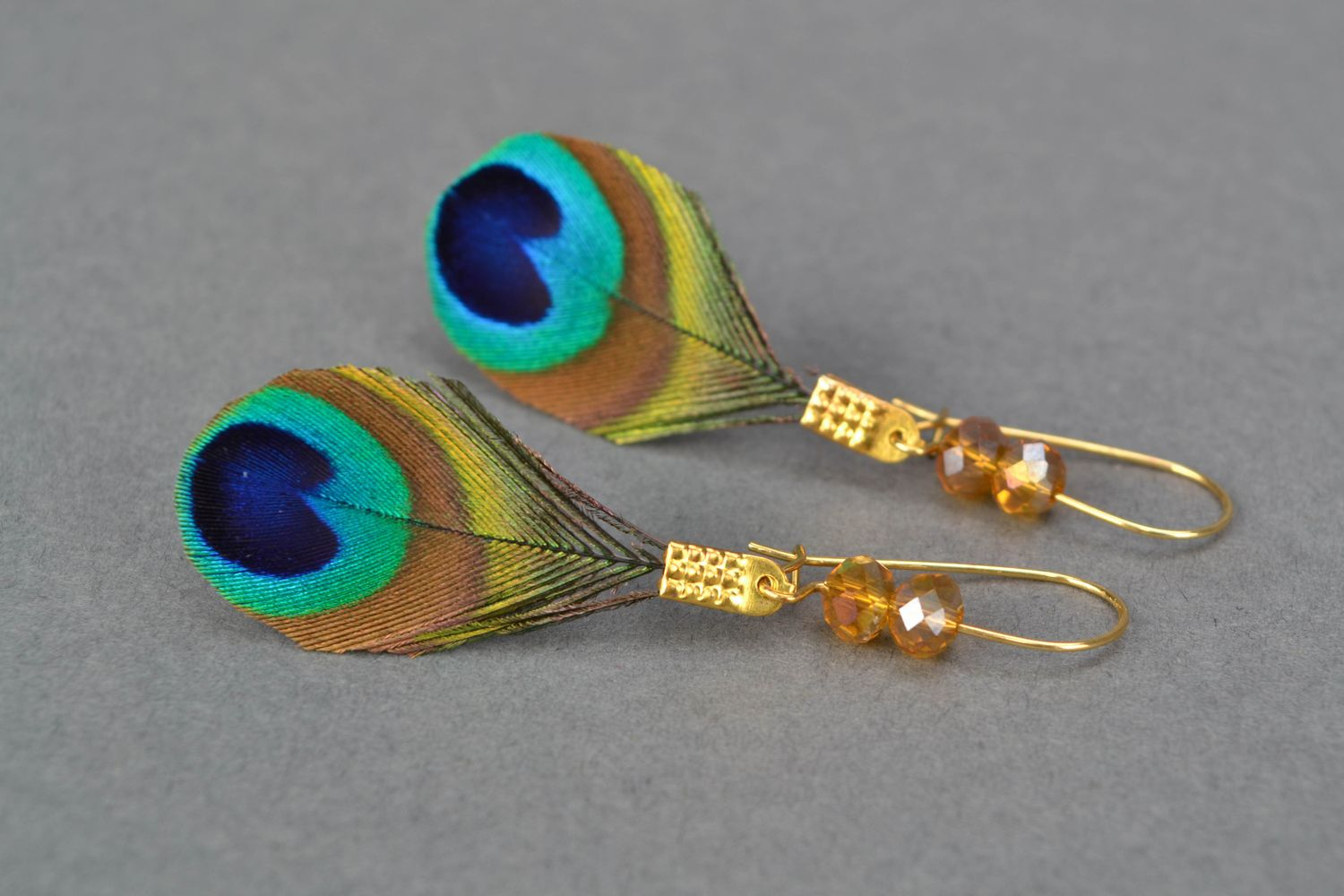 drop earrings Handmade peacock feather earrings - MADEheart.com