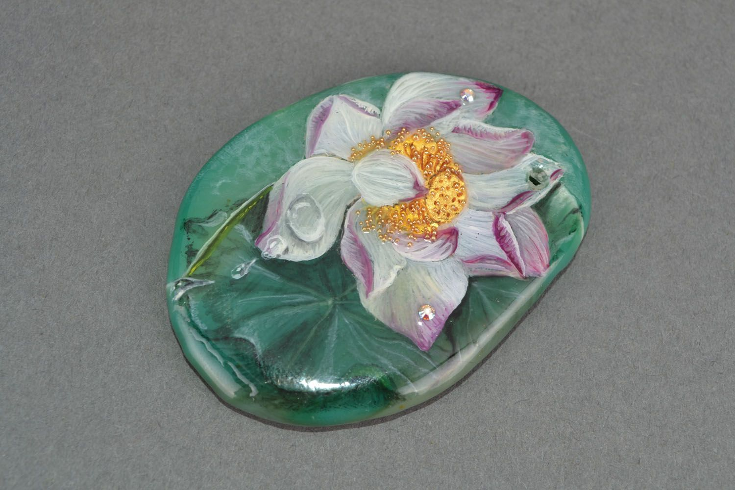 Pendant with a picture of a flower photo 3