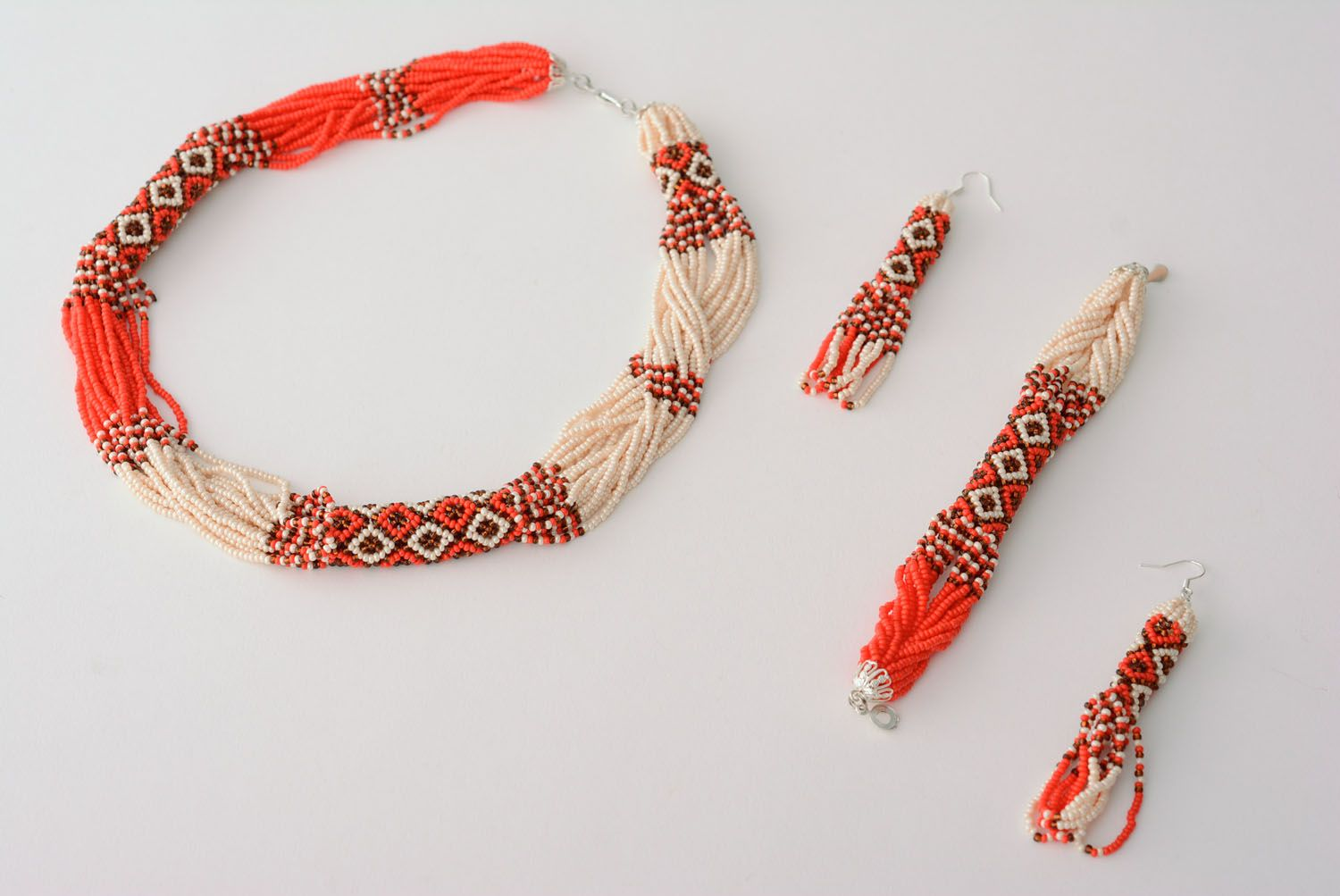 Homemade beaded jewelry set photo 3