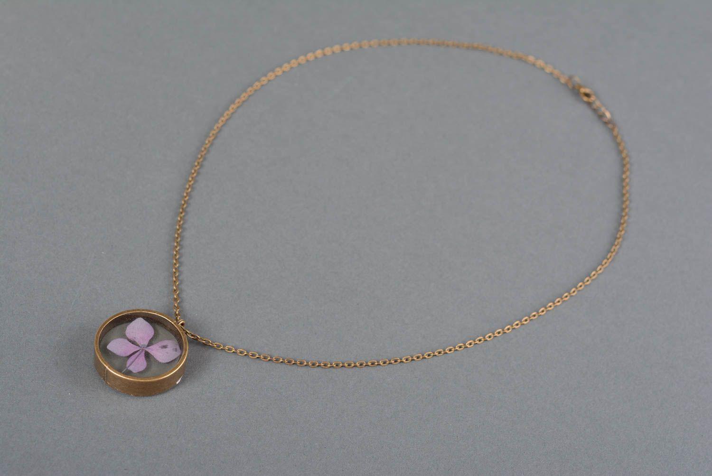 Madeheart pendentif en r sine poxyde bijou fait main rond fleur mauve cadeau femme - Bijoux en resine ...