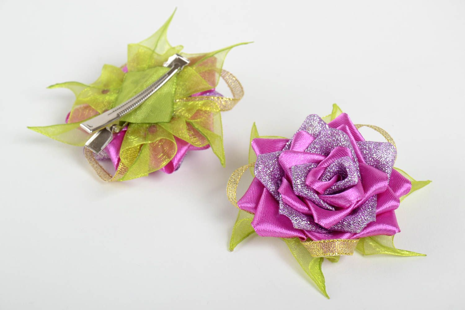 Hair clips in shape of flowers handmade designer accessories stylish hair clips photo 2