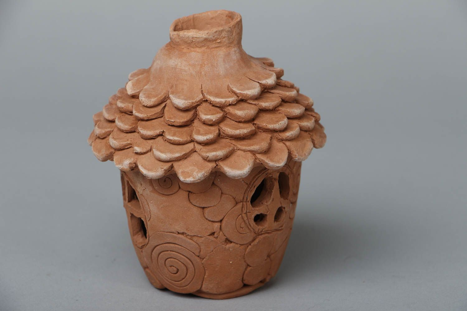 Ceramic aroma lamp in the shape of house photo 1