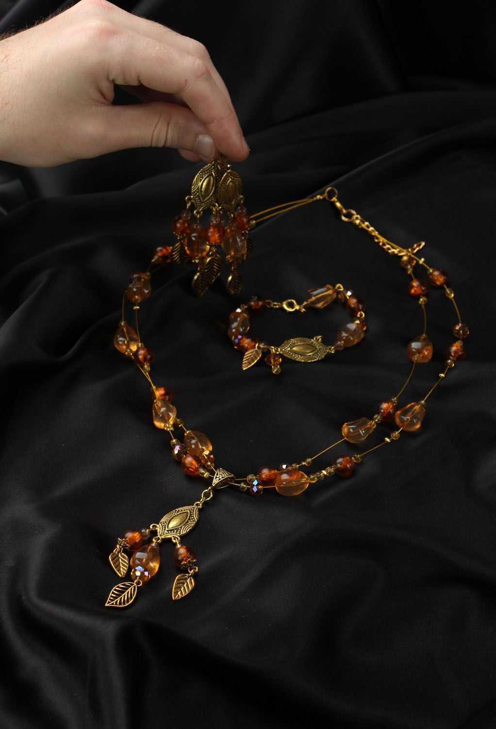 Jewelry set with amber and Czech glass photo 5