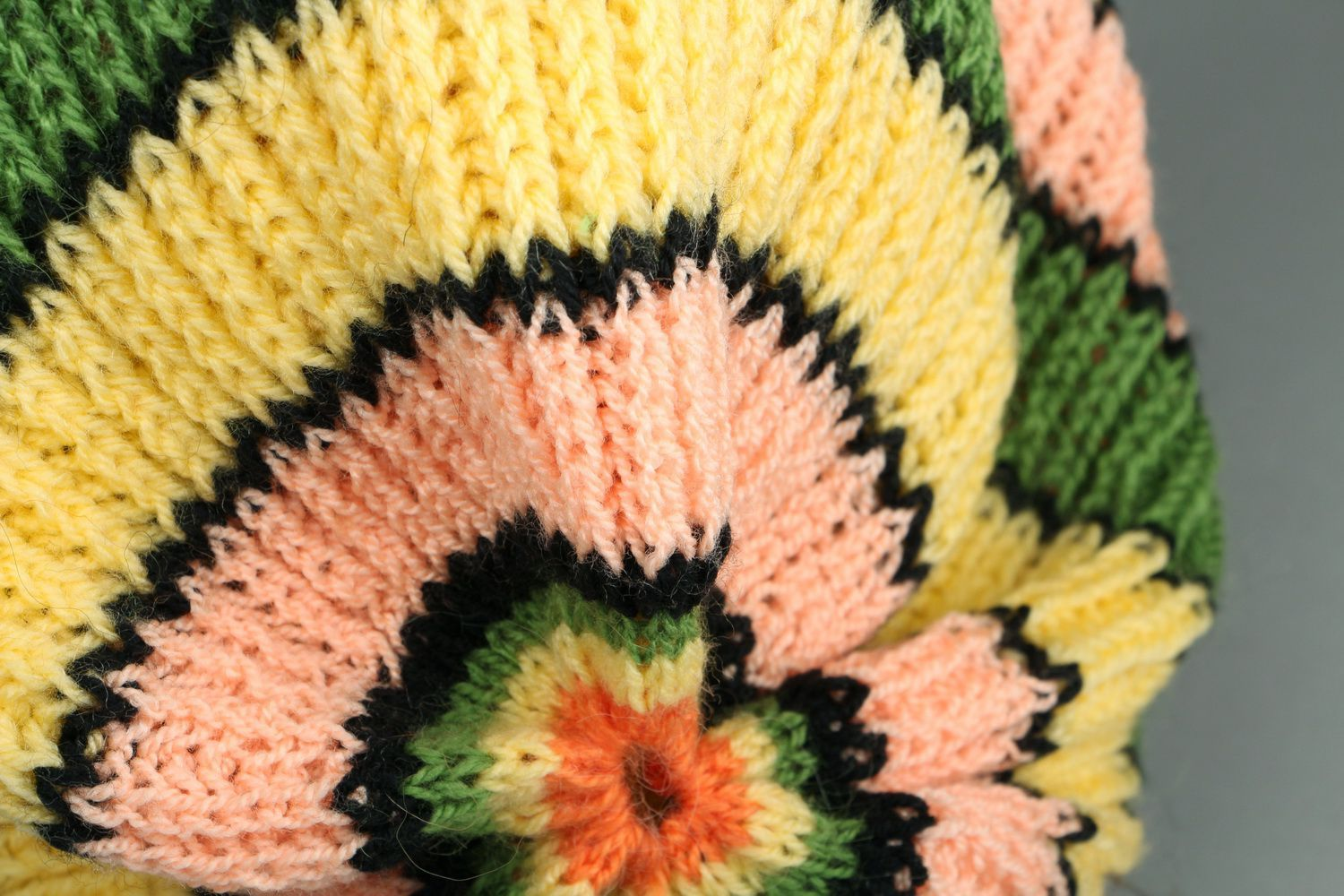 American knitted green & yellow beret photo 5