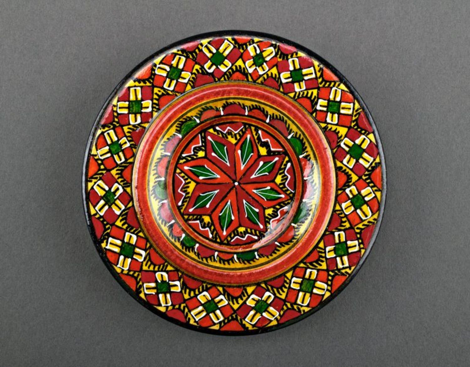 Decorative wooden plate photo 2
