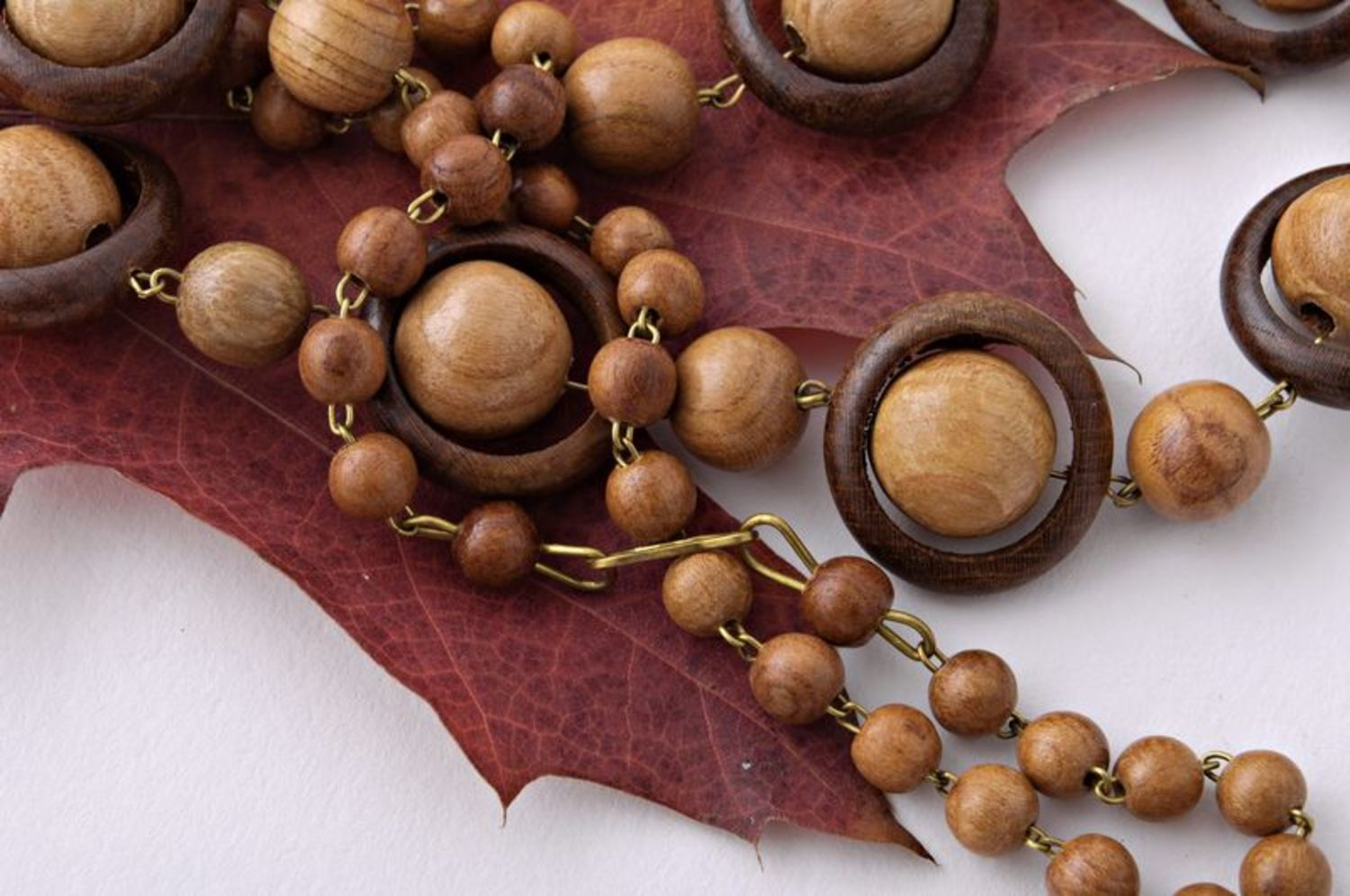 Long wooden beads photo 3