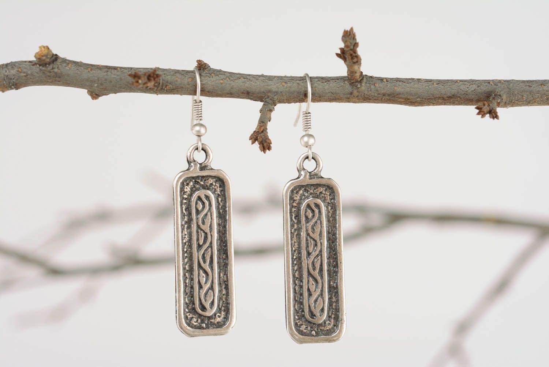 Long metal earrings photo 1