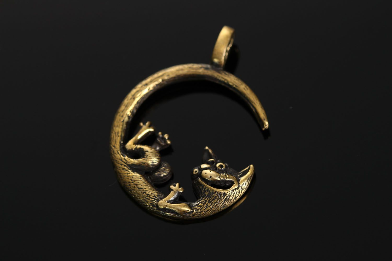Bronze pendant Moon Cat photo 1