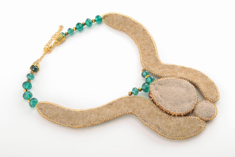 Beautiful beaded necklace photo 3