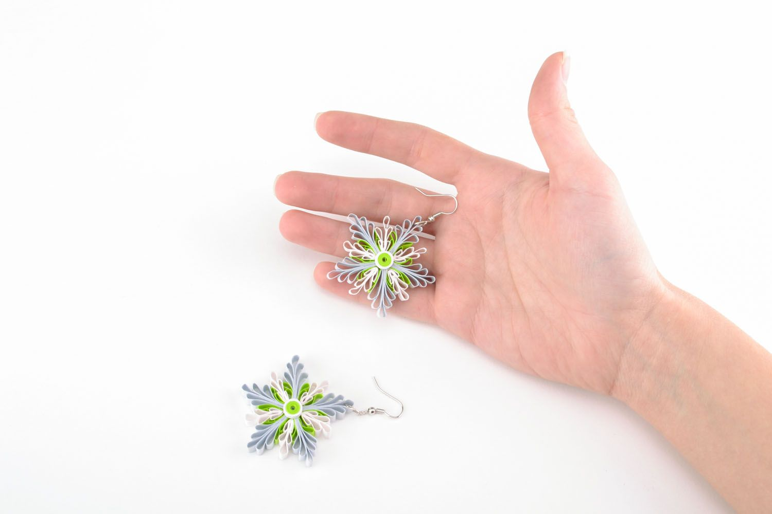 Quilling snowflake earrings photo 4