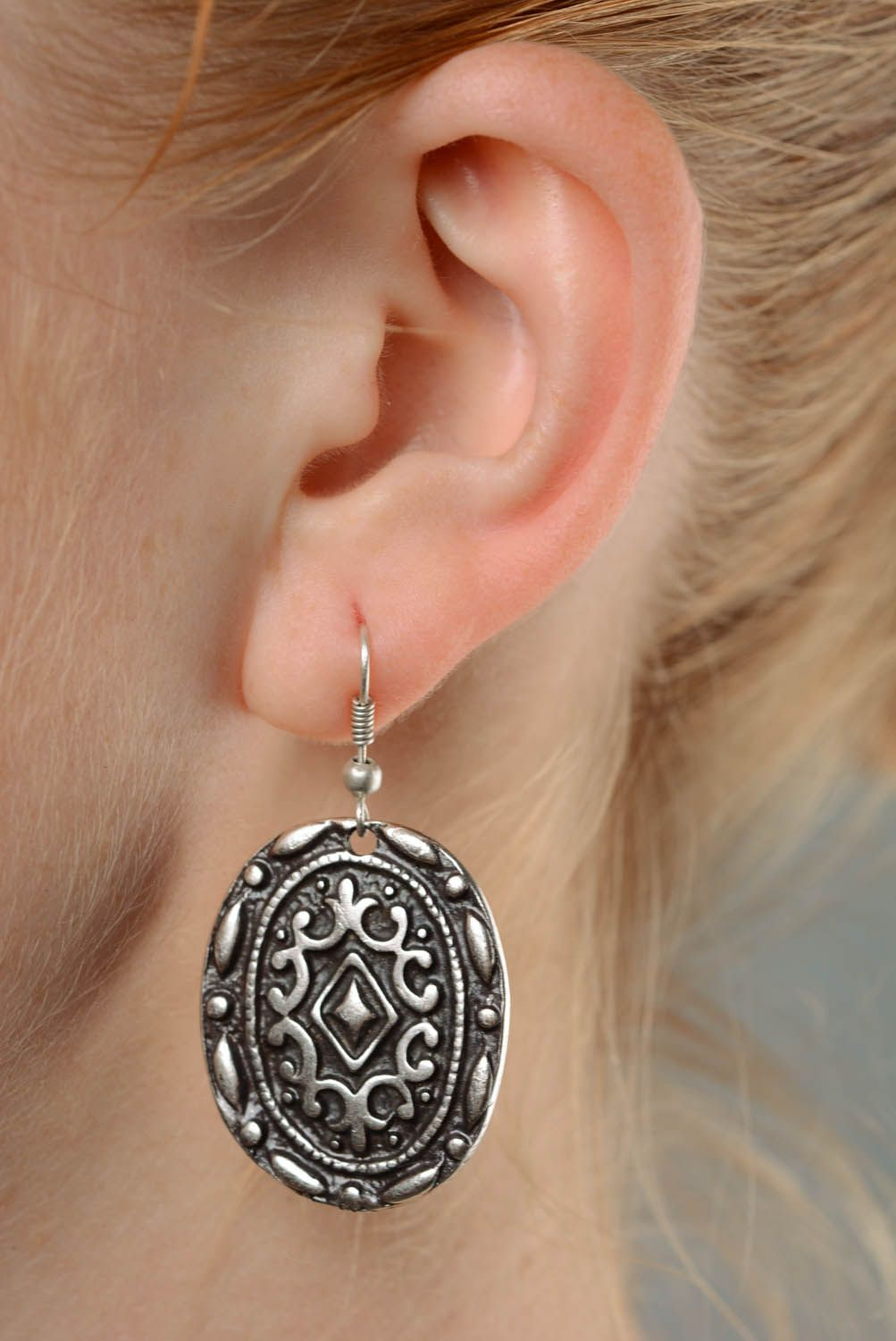 Metal earrings photo 3