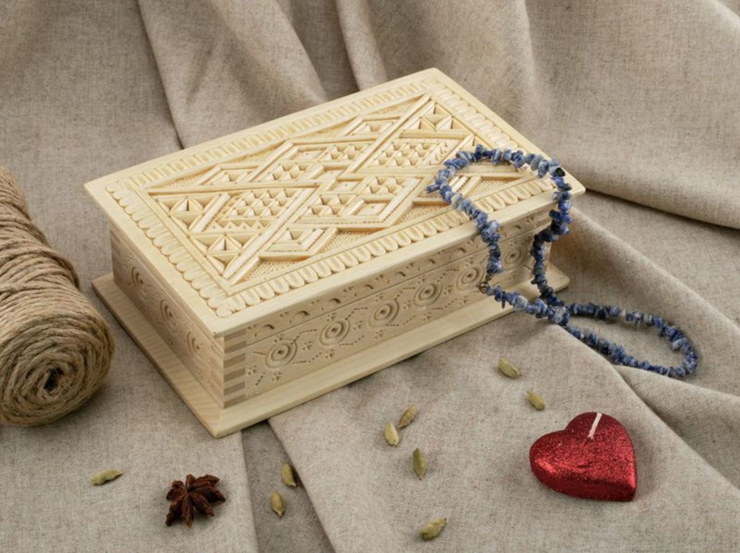 Wooden box for jewelries photo 1