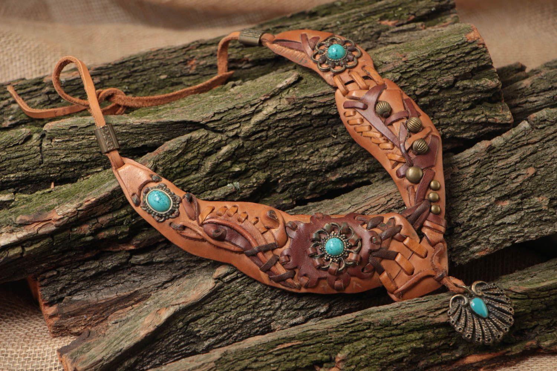 madeheart collier en cuir avec pierre de turquoise original fait main brun pour femme. Black Bedroom Furniture Sets. Home Design Ideas