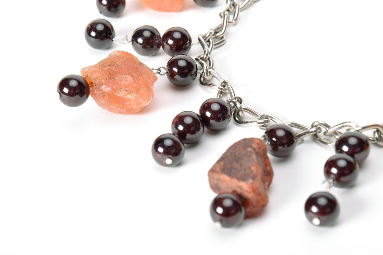 Fashionable necklace with natural stones photo 4