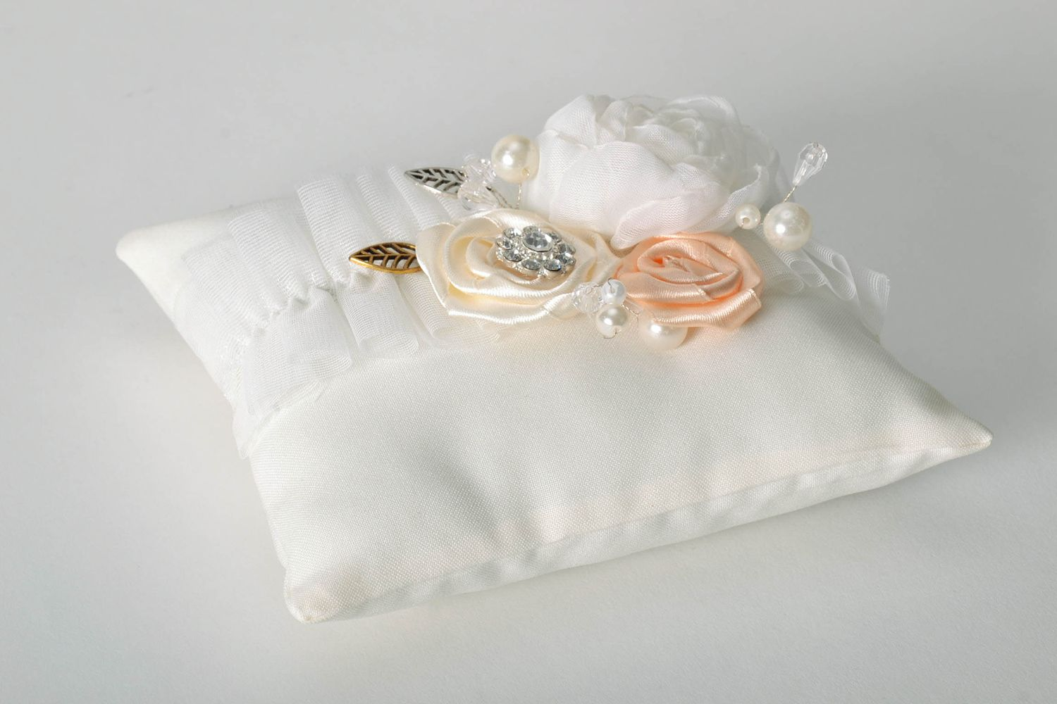 wedding accessories Small ring pillow - MADEheart.com