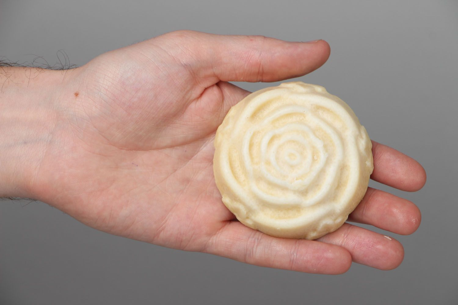 Plate-cream in the shape of rose photo 3