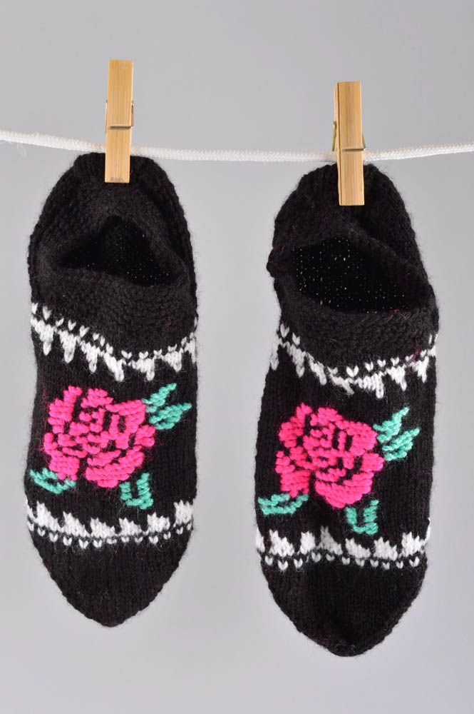 Notice: Undefined variable: cat in /home/newmadeheart/prod/cache/volt/%%home%%newmadeheart%%prod%%app%%views%%product%%index.volt.php on line 139  Handmade knitted socks winter socks winter accessories present for friend - MADEheart.com