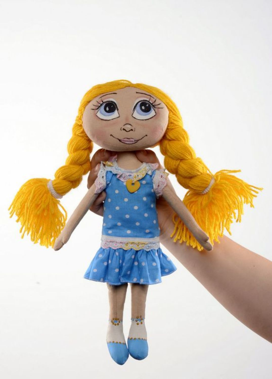 Fragranced doll with yellow braids  photo 3