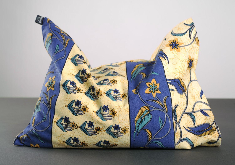 Buckwheat husk pillow photo 1