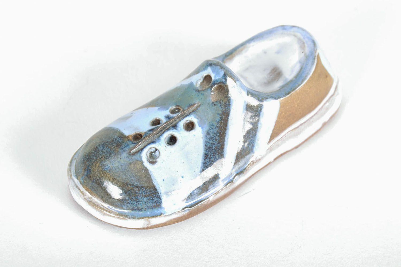 Ceramic fridge magnet Shoe photo 3