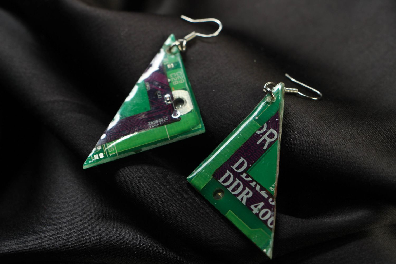 Green triangular metal earrings with mechanism photo 1