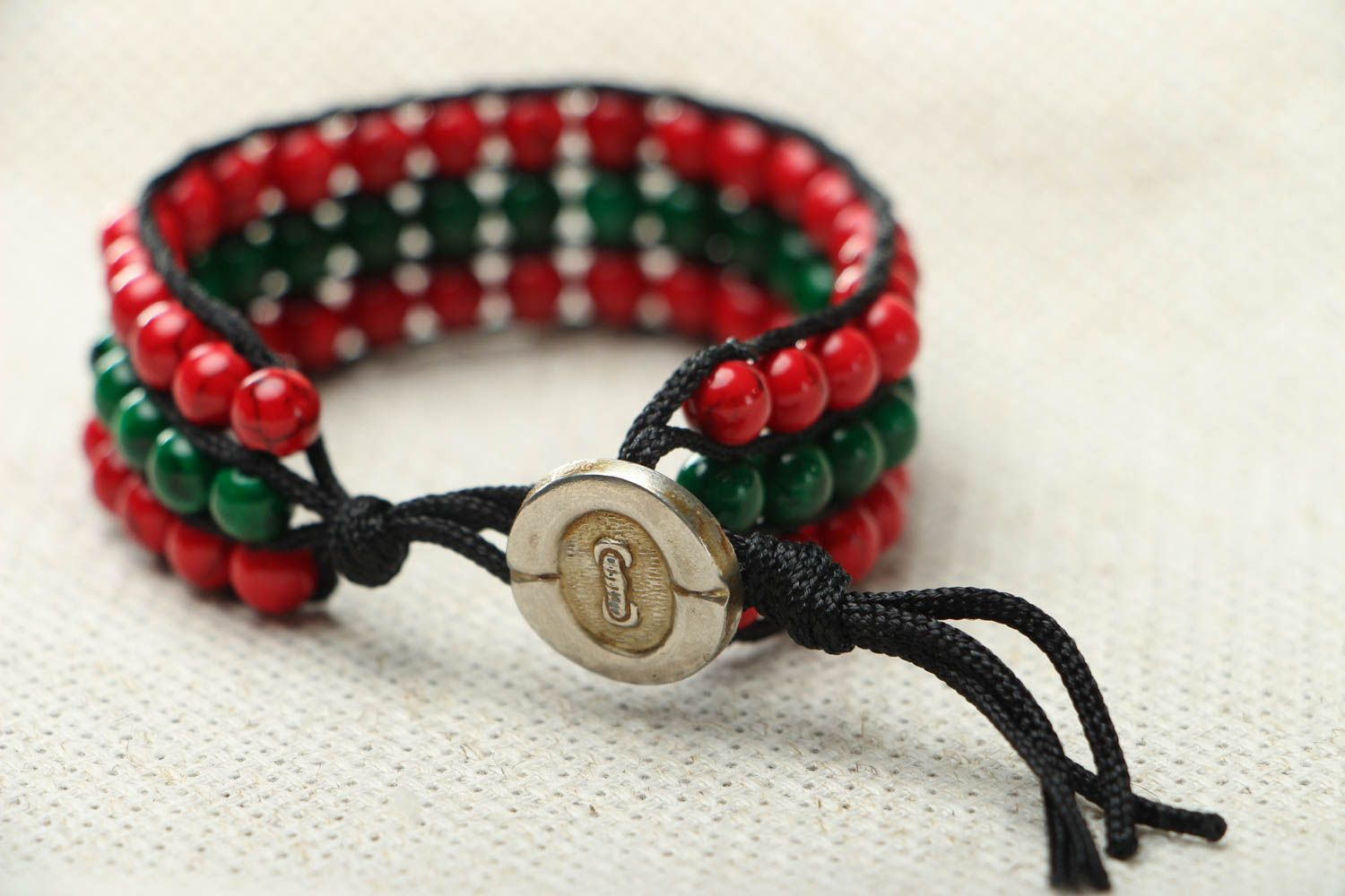 Bracelet with multi-colored beads photo 3