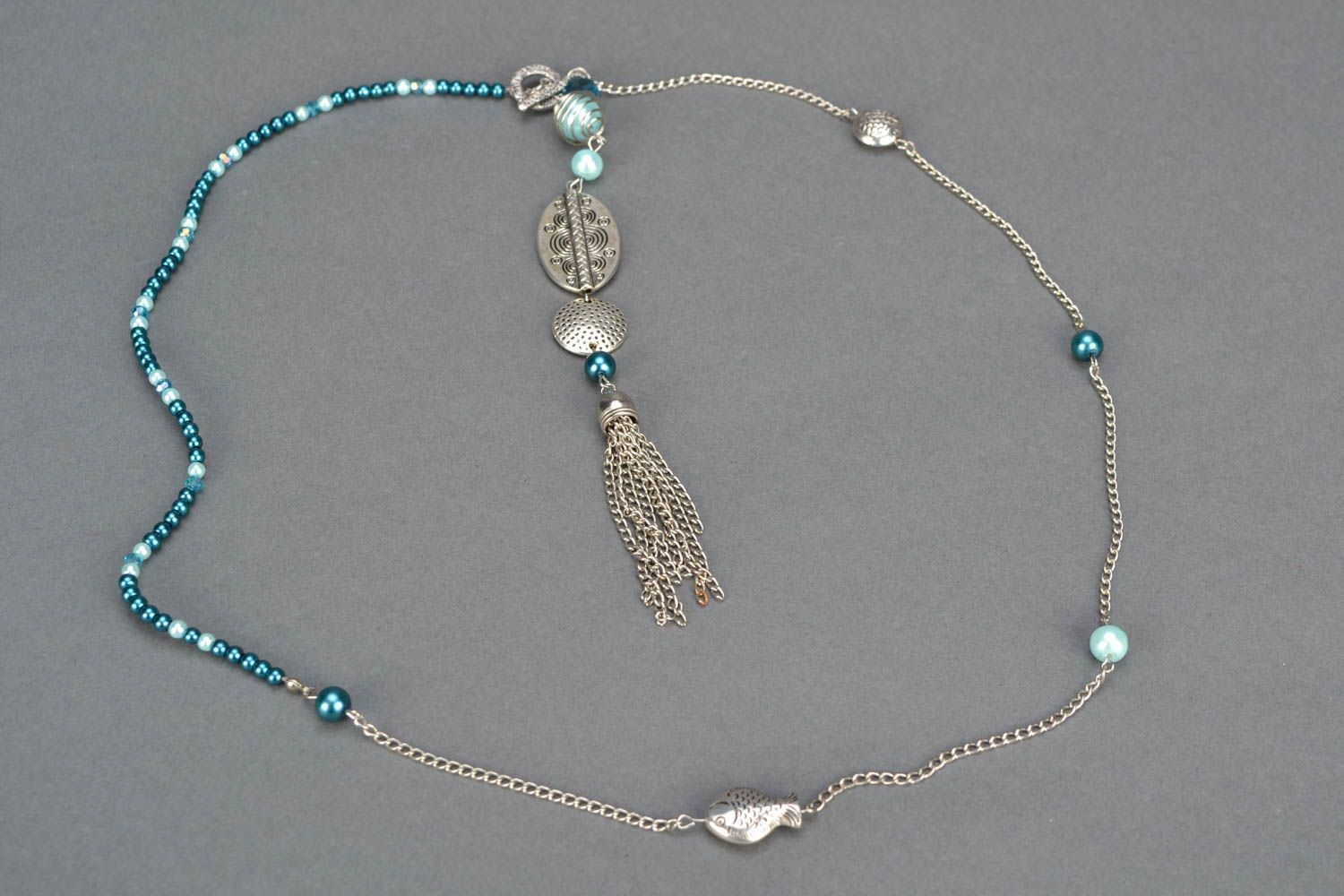 Necklace made of beads and metal photo 3