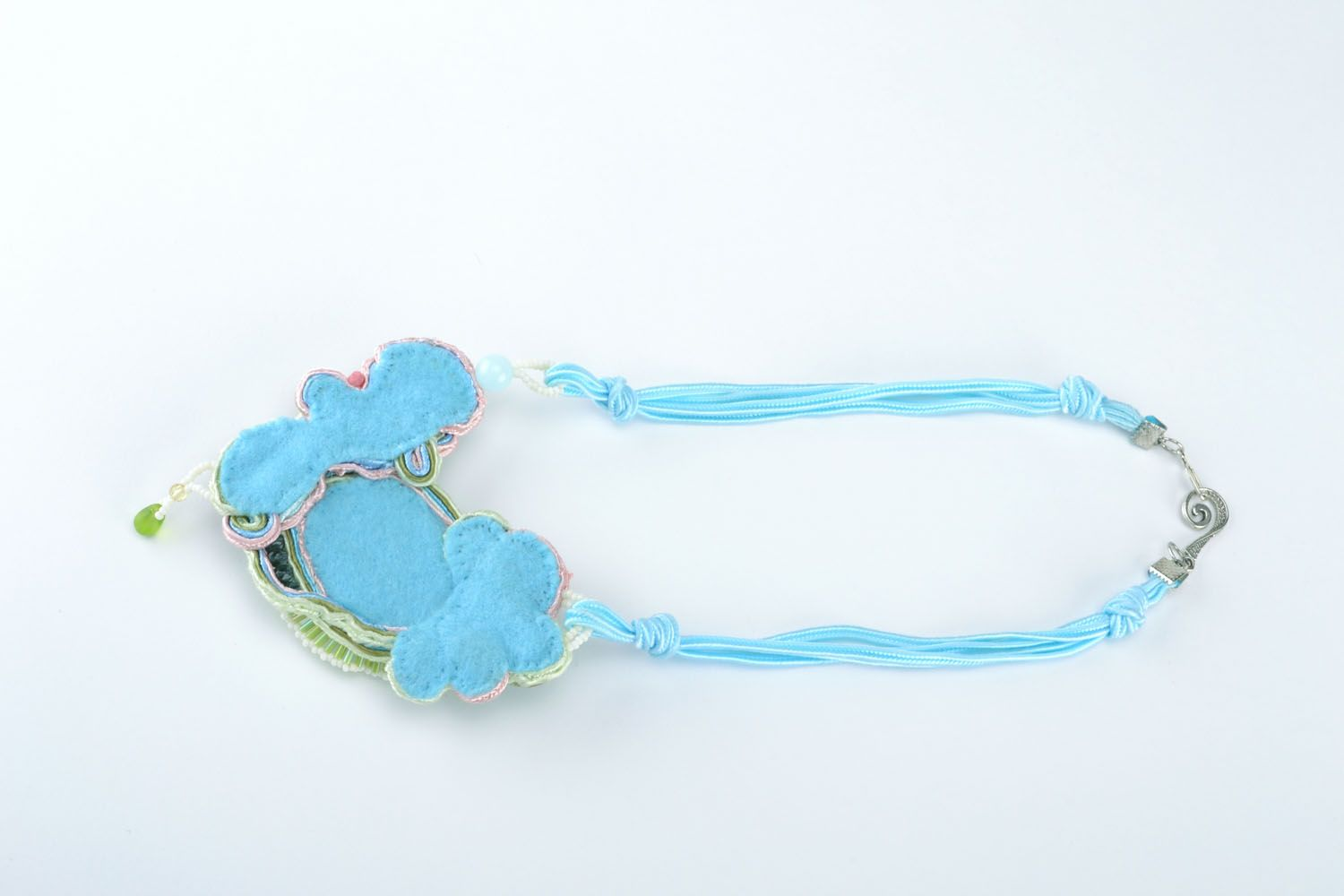 Necklace with natural stones photo 2