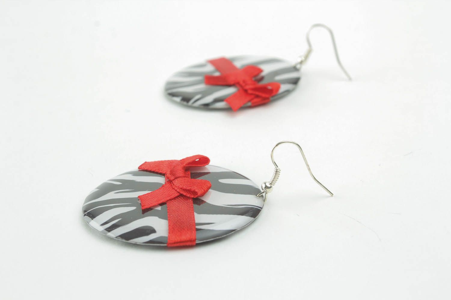 Earrings with bows photo 2