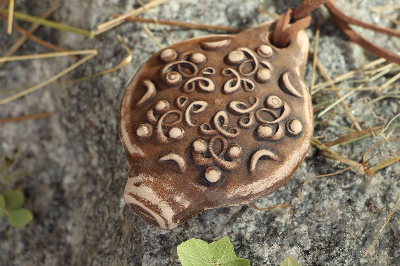 Clay pendant whistle photo 5